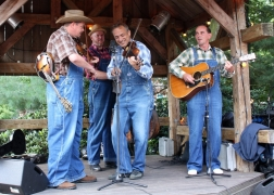 Le groupe de country Hillibilly Boogie Band.