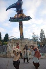 ...5 attractions transformées (ici El Volador), le film 4D Haunted House et un spectacle d'illusions!