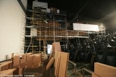 Les écrans latéraux en cours d'installation (octobre 2011)