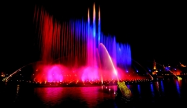 Since 2009, Efteling has exceeded 4 million visitors annually to reach a record attendance of 4.2 million admissions last year during the 60th anniversary celebrations. Photo: Aquanura night show (2012)