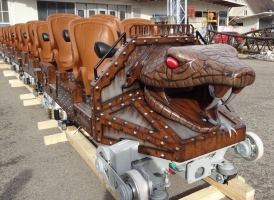 Six Flags has entrusted once again Gerstlauer with the design of new trains for the Iron Rattler project at Six Flags Fiesta Texas.