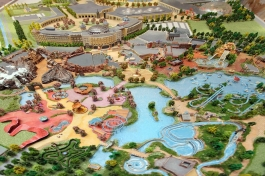 Las Palm unveiled a 1/16 scale model of the future theme park & resort