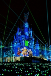 A look behind the scenes of Disney Dreams!